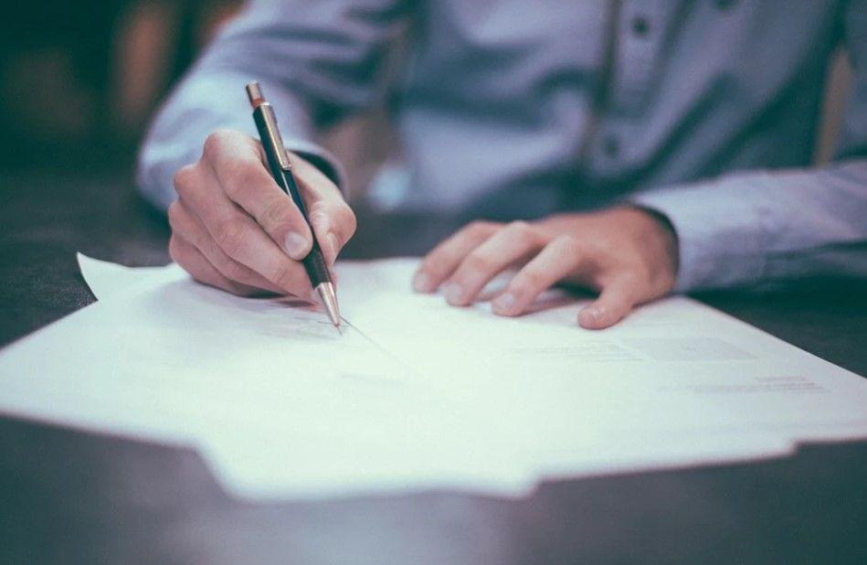 ¿Cuáles son las similitudes de renting y leasing?